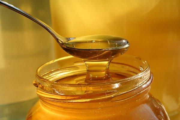 Natural ways to treat hair loss with Garlic