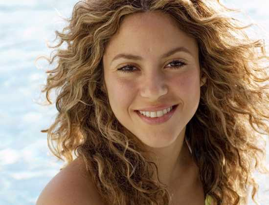 Shakira Curly Beach Hairstyle