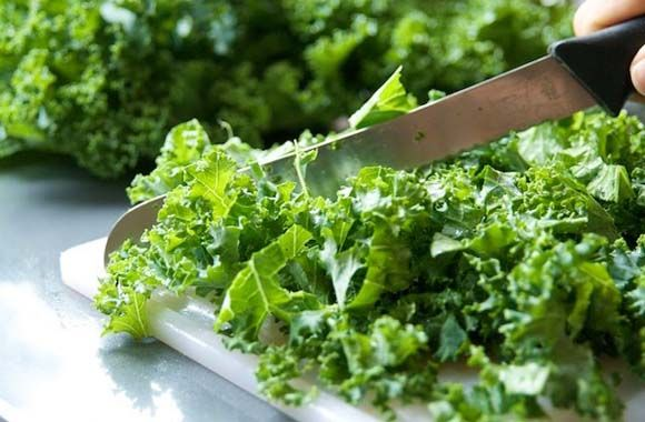 Leafy Green Veggies for hair protection