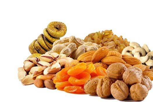 Nuts and dried fruits for gorgeous hair