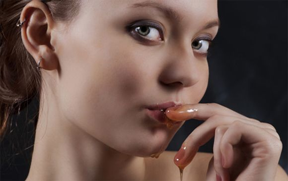 Honey moisturizer for lips care