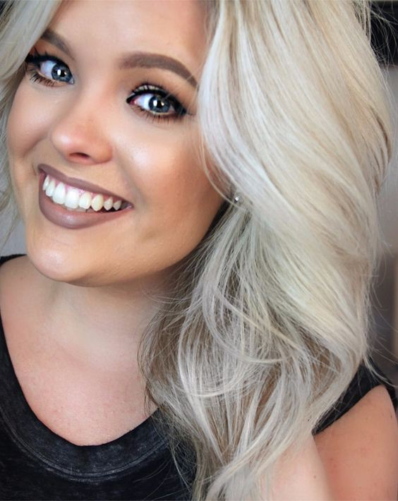 Medium layered platinum blonde hair 2018