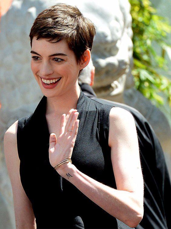 Anne Hathaway Short Hairstyle 2018