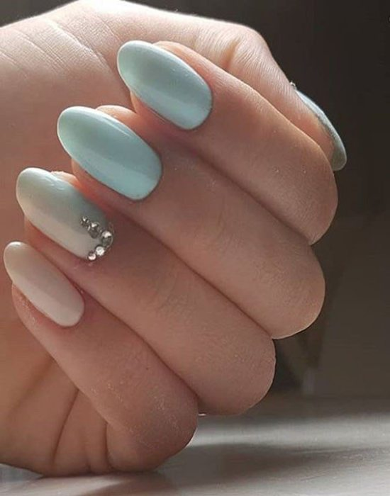 Cute White Sky Blue Nail Art Ideas To Boost Your Look In 2018