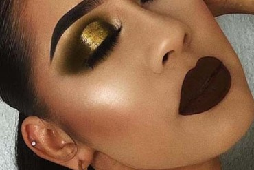 Deep Makeup Trends With Dark Lips & smokey Eyes 2018