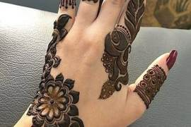 Pretty & Unique Mehndi Art & Design for Stylish Girls