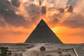 Beautiful at The Great Pyramid of Giza