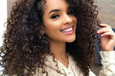 Beautiful Curly Wavy Hair Ideas for Medium Hair