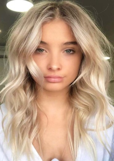 Creamy blonde beach waves haircuts for 2019