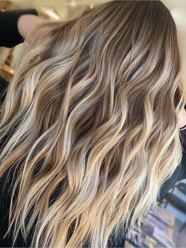 Best Honey Blonde Balayage Hair Colors and Hairstyles for