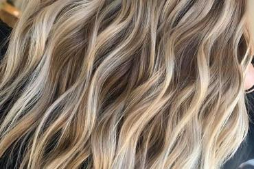 Honey Blonde Balayage Hair Colors and Hairstyles for 2020