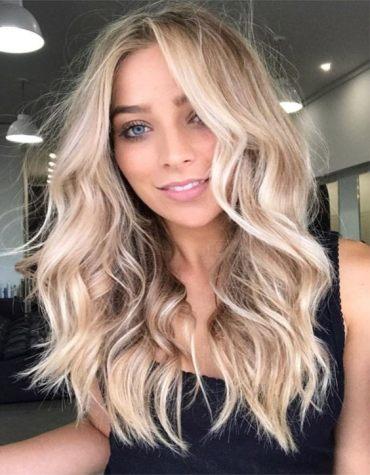 Super Cute Face Framing Blonde Balayage Hair for 2020