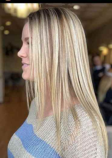Sleek Straight Hairstyles for Fashionable Women in 2020