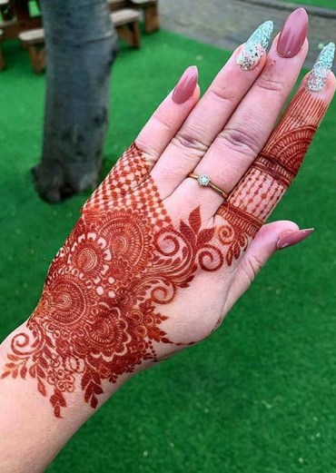 Most Beautiful Henna Arts and Designs for Women in 2020