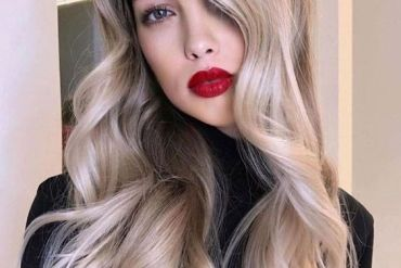 Super Cool Blonde Highlights & Style for 2020