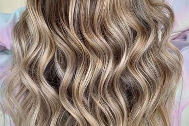 Fantastic Beach Waves Balayage Hair Styles to Try in 2020