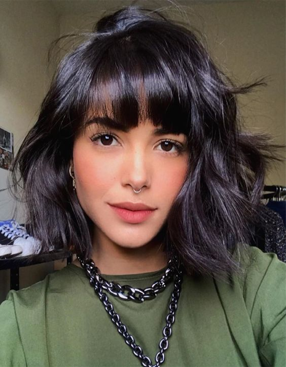 Wonderful Style of Medium Bob Cut to update your Look