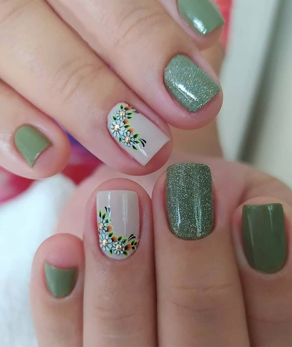 Charming Look & Nail Ideas for Special Occasion
