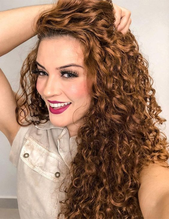 Latest & Unique Look of Curly Hair for 2021 Ladies