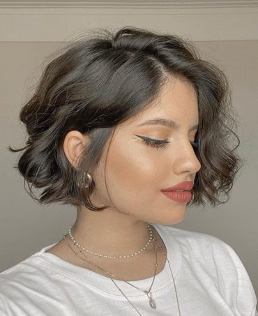 Best Hair and Makeup Style for 2021 Girls