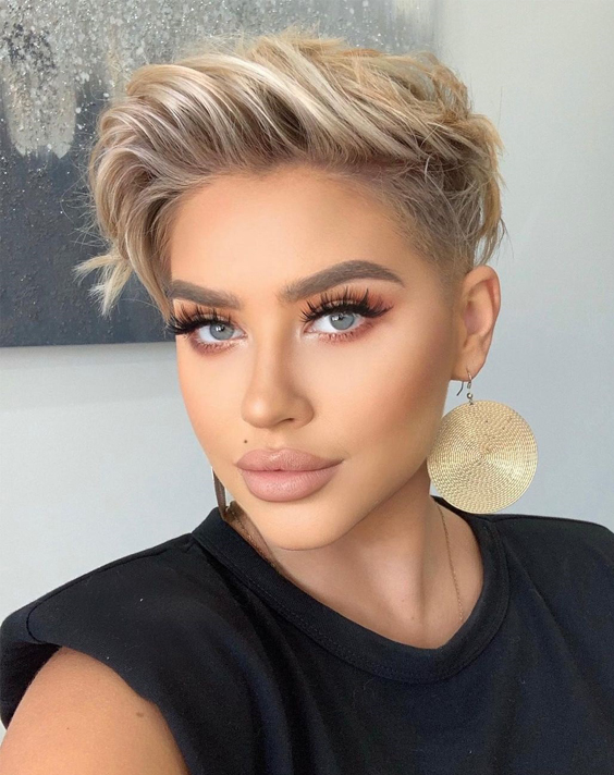 Charming Short Hair Color Style to Copy Now