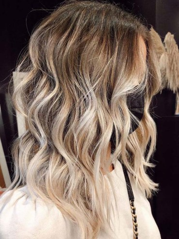Gorgeous Rooty Blonde Hair Color Ideas to Try