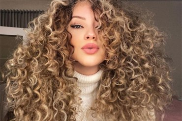 Gorgeous Curly and Wavy Hair Ideas to Copy Now