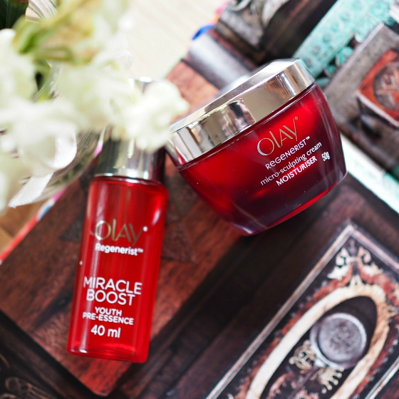 Olay Regenerist Miracle Duo: Olay Regenerist Miracle Boost Youth Pre-Essence and Olay Regenerist Micro-Sculpting Cream Moisturiser