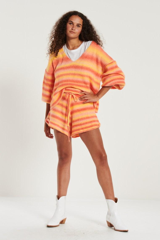 Bohemian Traders Sunset jumper and knit shorts