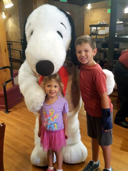 Knott's Berry Farm – Stay and Play on a Budget! #knotts #family #themeparks