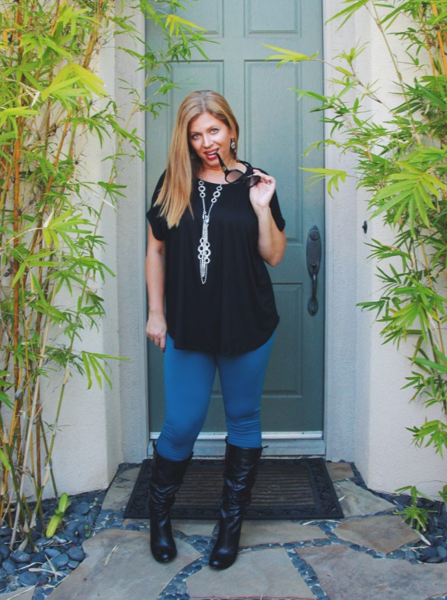 Comfy and Chic Boutique - The Perry Top and Mama's Favorite Leggings #fashion #style #clothing