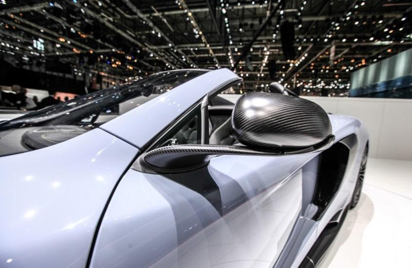 McLaren 675LT Spider: potente e leggera anima da F1