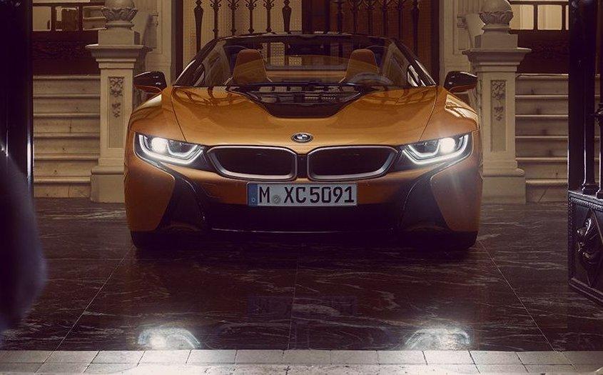 BMW i8 Roadster: stile studiato nei minimi particolari