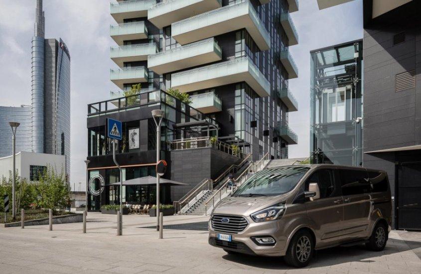 Ford Tourneo Custom: stile e versatilità del people mover del momento