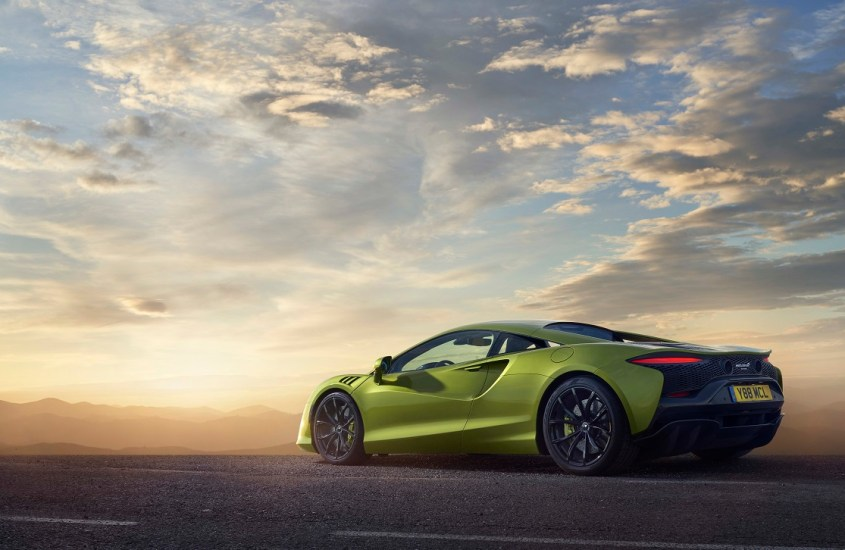 McLaren Artura: un concentrato di potenza ibrida