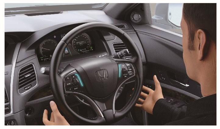 Honda SENSING Elite sistema spie al volante