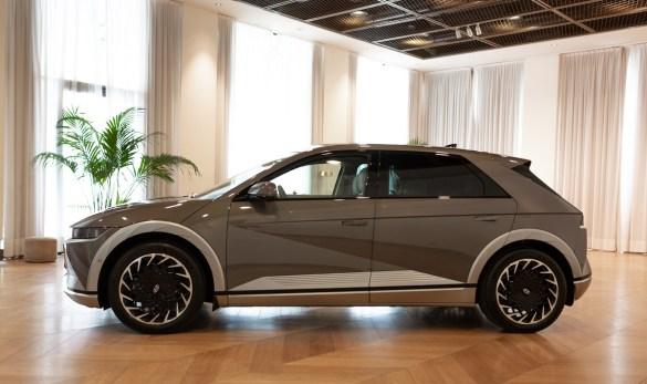 Hyundai IONIQ 5 anteprima a Milano