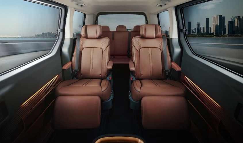 Hyundai Staria interni