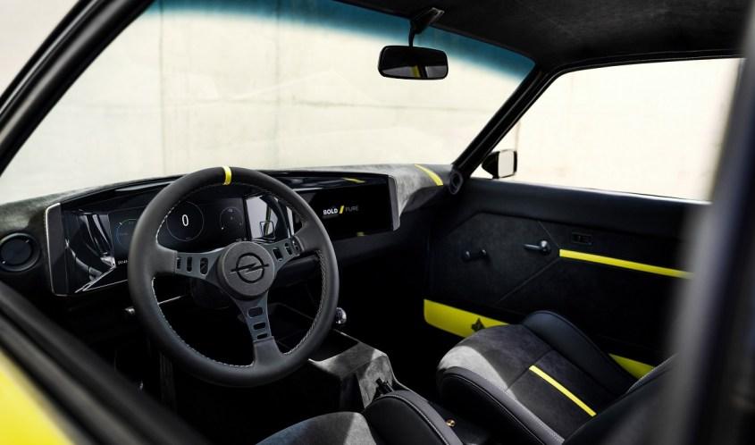 Opel Manta interni