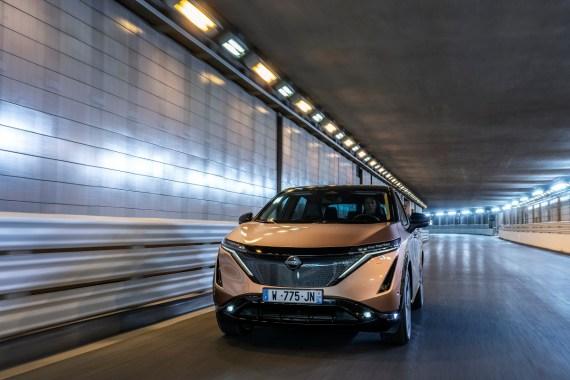 veicoli elettrici indagine Nissan