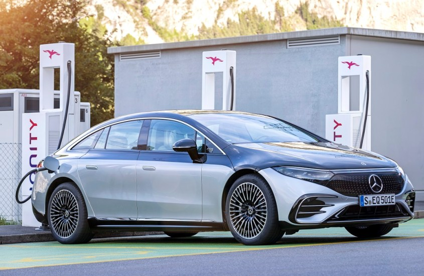 Mercedes solo elettriche dal 2030