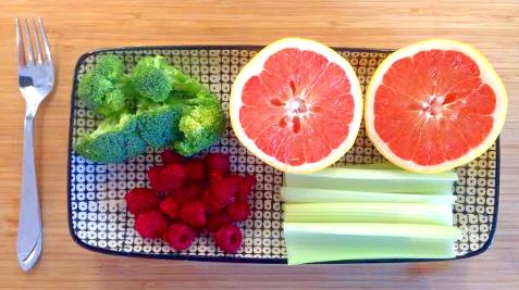 290 g grapefrukt, 60 g broccoli, 100 g selleri, 50 g hallon.