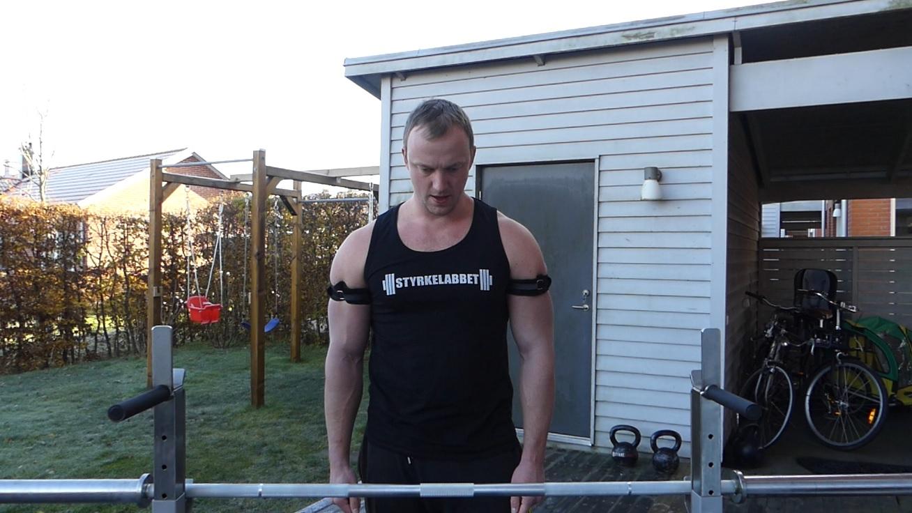 Högfrekvent ocklusionsträning för att bygga större armar