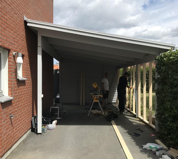 Hantverksproffsen bygger garage