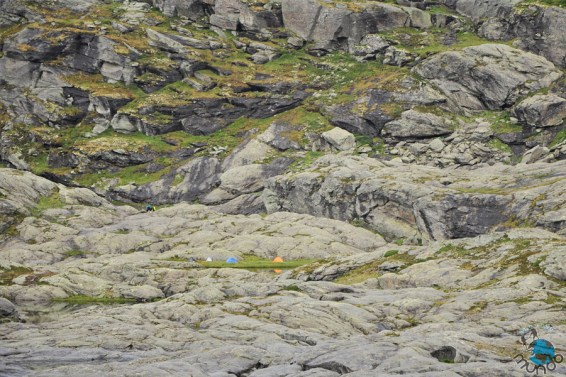 Área de camping próximo ao Trolltunga.