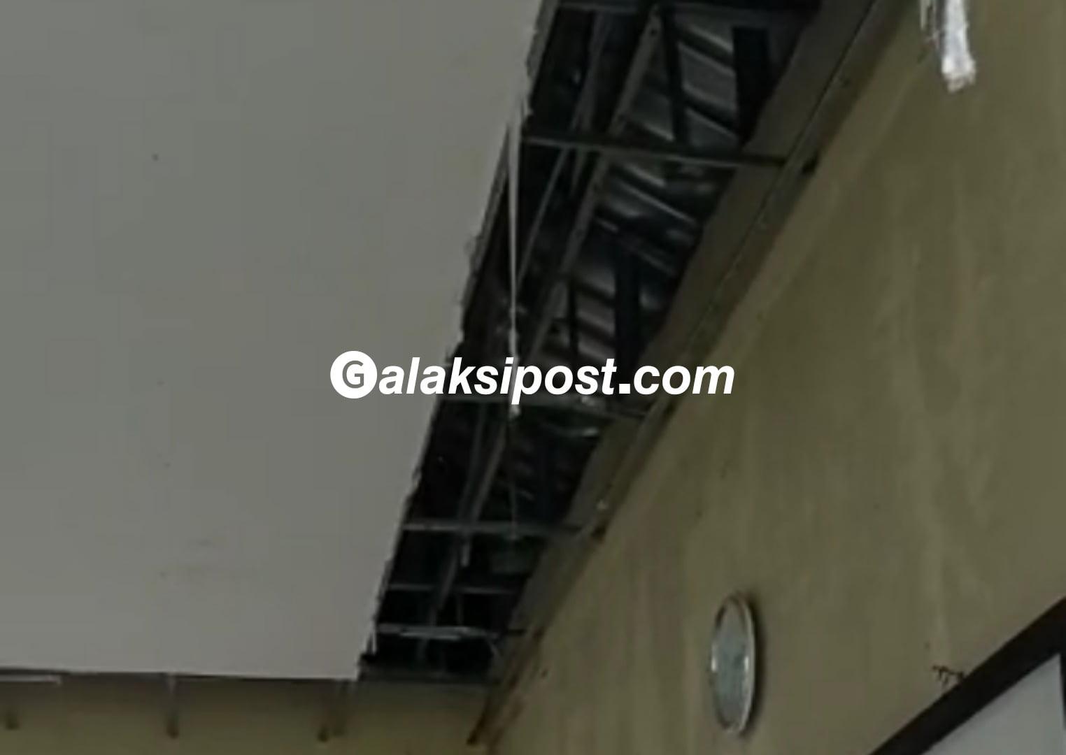 PT SGI Robohkan Gedung Madrasyah di Riau