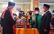 Baharuddin Dilantik Ketua DPRD Pelalawan, Imustiar Tak Hadir