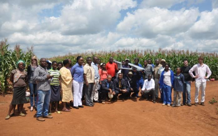The first prototype of the aerial platform was handed in February to people in charge of the South Africa Office of CIMMYT, in Harare (Zimbabwe).