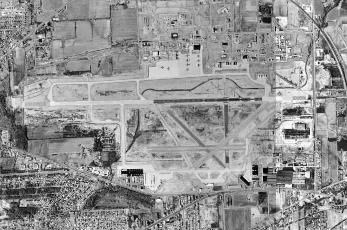 Niagara_Falls_International_Airport_-_New_York_-_28_March_1995