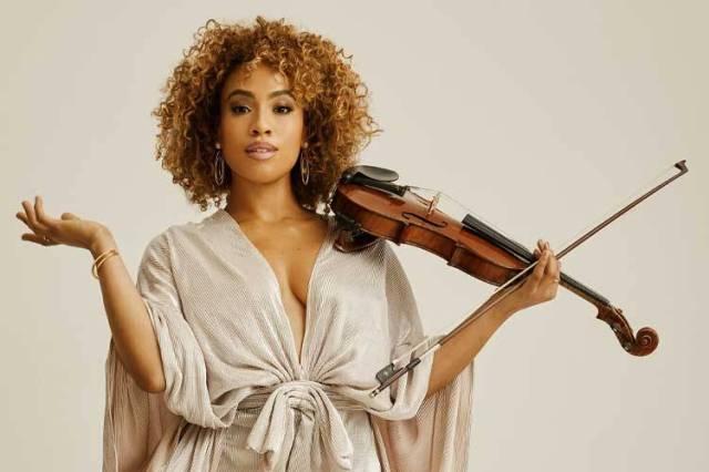 SOCIAL SPOTLIGHT: Who's Got Strings? EZINMA